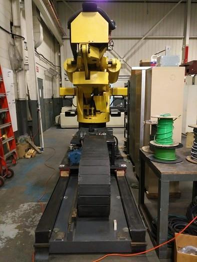 2015 FANUC  M900iB/700 6 AXIS CNC ROBOT WITH R30iB CONTROLLER  & 7TH AXIS 15' LONG TRACK.