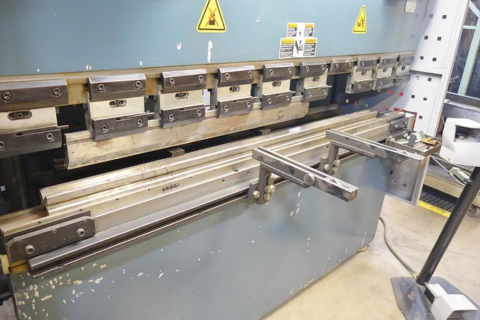 2008 Durma 6′ 44 Ton 3 Axis CNC Hydraulic Press Brake w Crowining Die