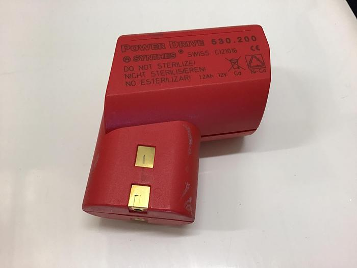 Used Synthes battery power drive 530.200