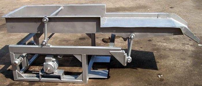 Używane Podajnik wibracyjny do tunelu, nierdzewny z podgrzewaniem sekcji nie perforowanej