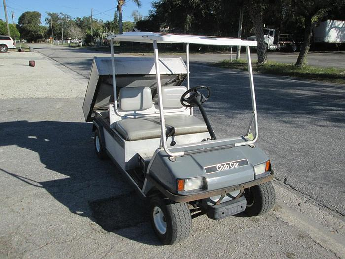 Club car electric utility cart with dump bed