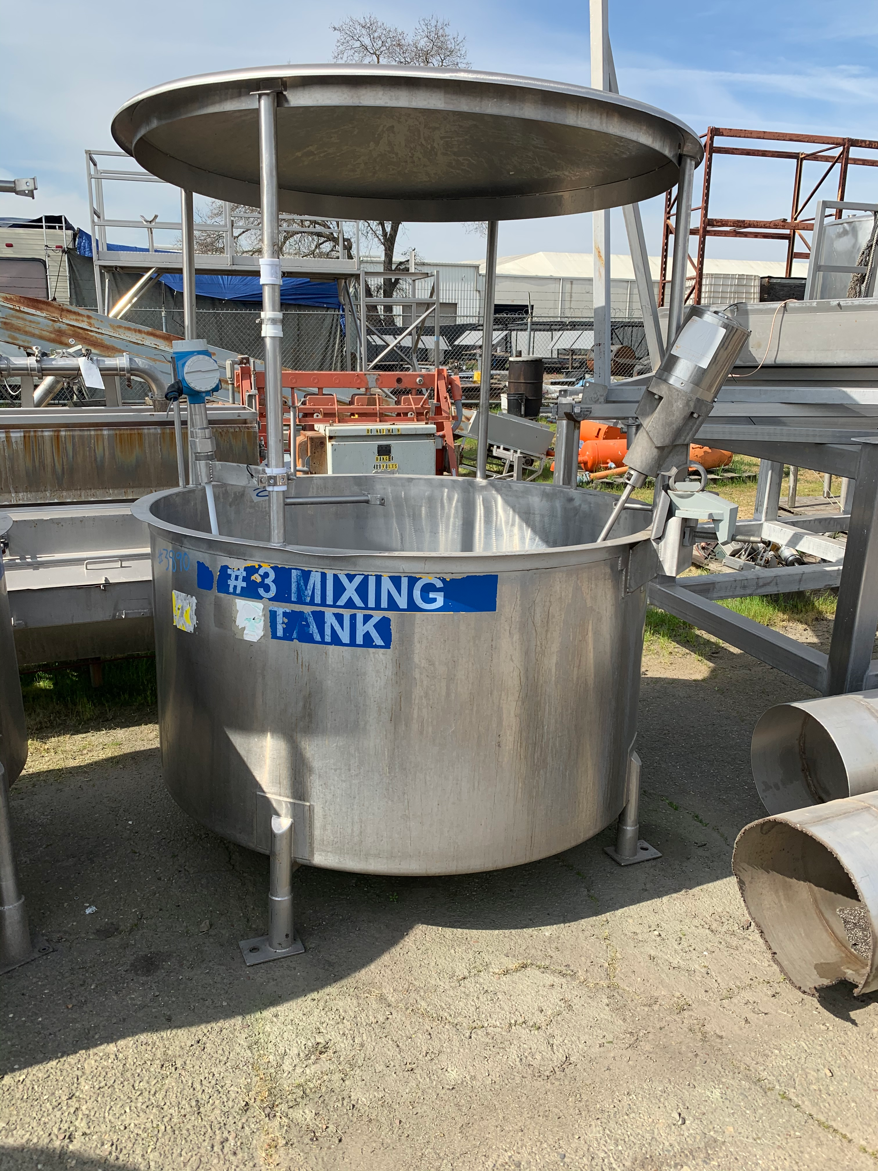 Used 400 Gallon Stainless Steel Mix Tank