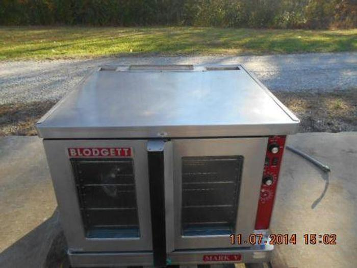 MARK V-111 CONVECTION OVEN W/COOK 2 SPEED WITH SOLID STATE THERMOSTAT