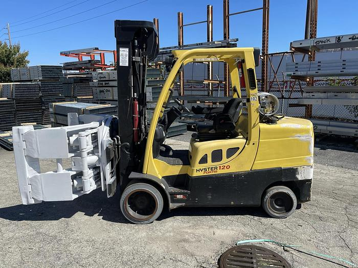"""Used 12,000 POUND HYSTER MODEL S120FT ROLL CLAMP FORKLIFT WITH 60"""" CASCADE CLAMP"""