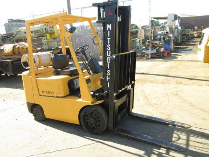 """Used CATERPILLER / MITSUBISHI MDL FGC25 PROPANE FORKLIFT 5000 LB CAP. 130"""" MAX HEIGHT"""