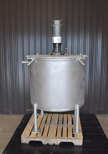 Used USED 210 GALLON STAINLESS STEEL MIX TANK