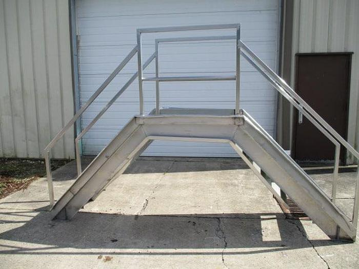 """Used Crossover Stairs, Stainless steel 43"""" clear"""