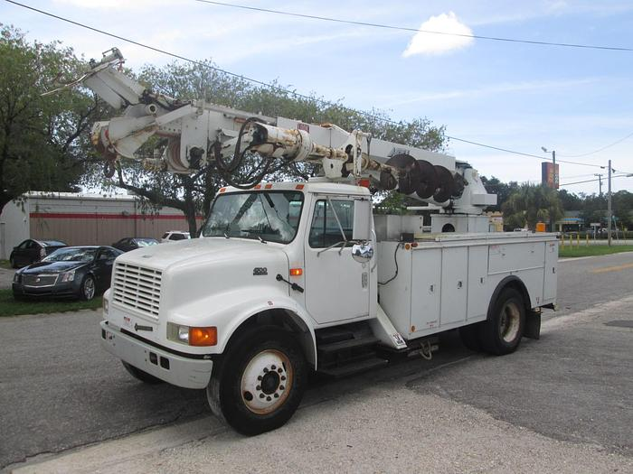 Used 2001 International 4700 Digger Derrick Truck