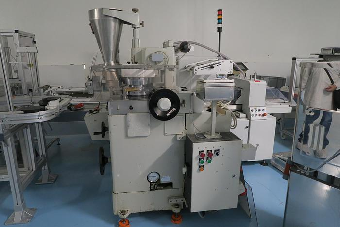 Courtoy Tablet Press