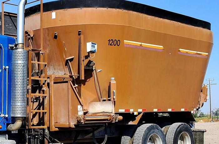 Used Kenworth w/ Kirby 1200 Vertical Feed Mixer ** Complete In-Frame **