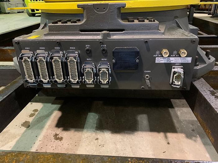 2017 FANUC M2000iA/900L EQUIPPED FOR VISION WITH R30iB CONTROLLER LIKE NEW
