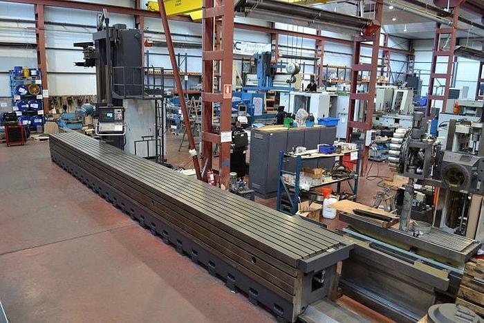 Refurbished Refurbished 1998 Correa L30/104 Mobile Column Milling Machine