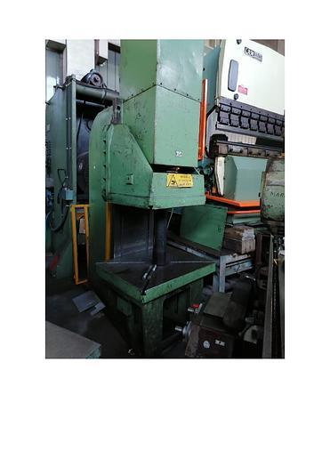 Usata pressa idraulica a collo di cigno ferralba 150 ton