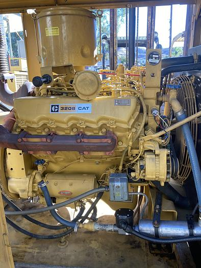 Used Caterpillar 150 KW 3208 Standby Generator Set
