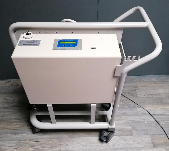 Gebraucht Fresenius AquaUNO Umkehrosmoseanlage mit Standard-Vorfilterträger