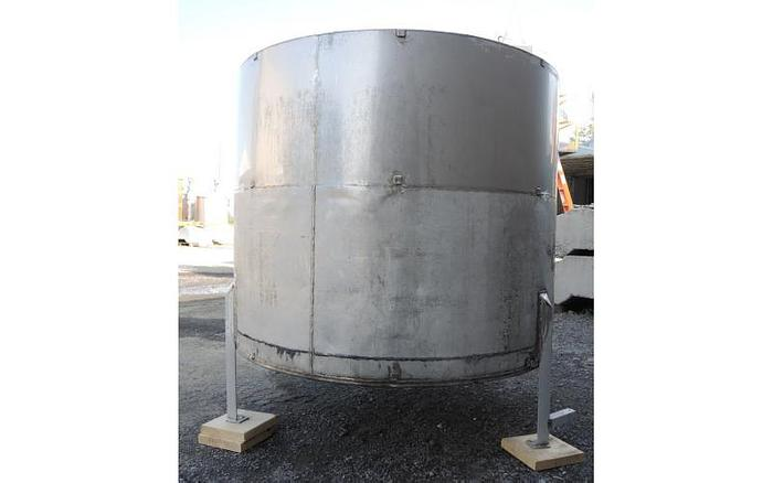 USED 600 GALLON TANK, STAINLESS STEEL