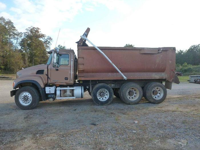 Used 2003 MACK GRANITE CV713