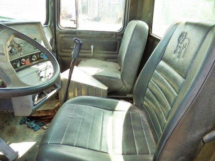 1989 MACK R688ST