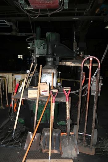 OSBORN 722-RA MOLDING MACHINE