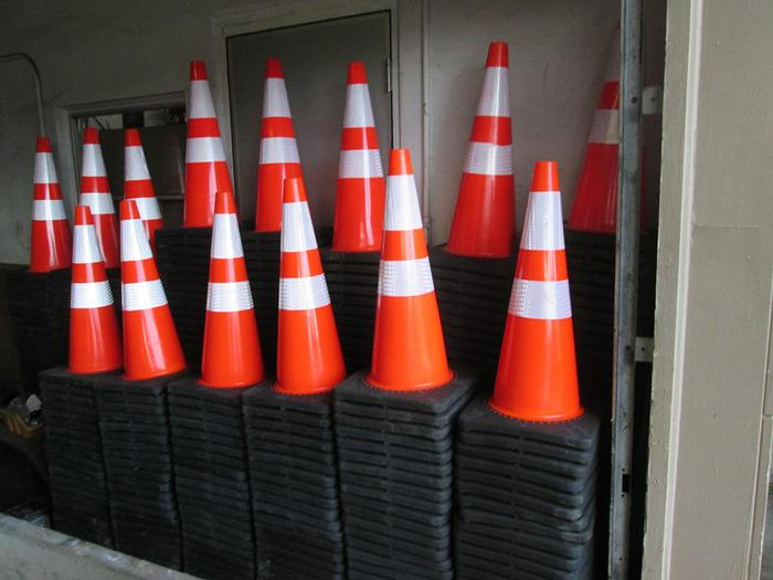 New 28 Inch Traffic Cones