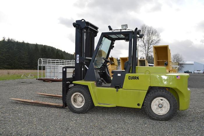 Used Clark Forklift 15,000 LBS.Diesel Perkins,Auto trans., Triple stage mast, side shift, fork positioners, 8ft forks