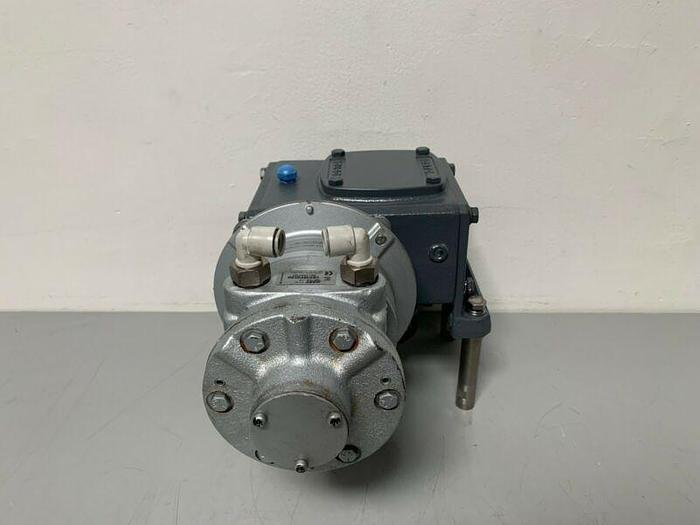 Used Boston Gear F724F-15-B5-6 Gear Reducer W/ Pneumatic Gast 8AM-NRV-11A Motor