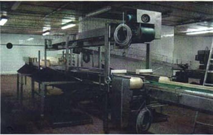 Stół do napełniania produktów spożywczych w puszki, kubki, słoiki itp, produkcji niemieckiej firmy BREYELL LOTCH typ SMB 70.1.2.