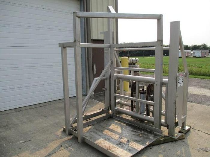 Used RMF Side-Load Pallet Lift; Md#100