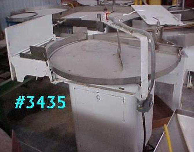 Used 3 FT. DIA. ISLAND EQUIPMENT ACCUMULATING TABLE – S/S TOP