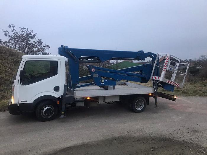 Gebraucht Nissan Cabstar 35.11 4x2 mit 21 m Gelenkarbeitsbühne