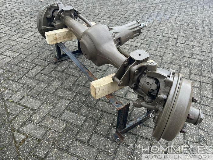 Used Unimog 404 axle