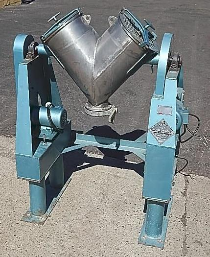 Used 2 CU. FT. P-K TWIN SHELL BLENDER – #9248