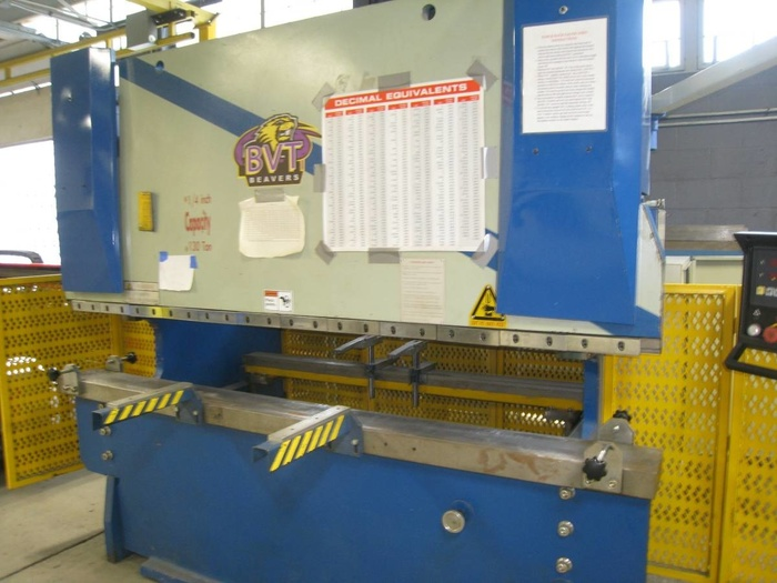 Hydraulic press brake 2008 130 ton 8'