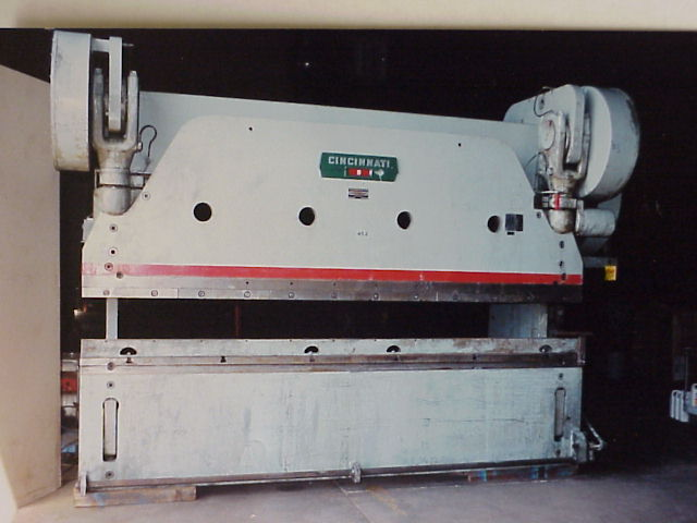 225 Ton x 12 ft Cincinnati #9 Press Brake; Auto-Cycle