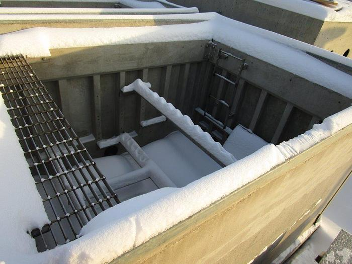Concast 4-way Vista Precast Vault with steel lid