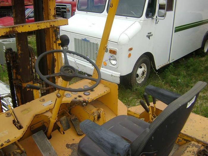 1989 Allis Chalmers 6000lbs. Fork T- Stock #: 1219