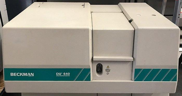 Used Beckman Coulter DU 640 Spectrophotometer