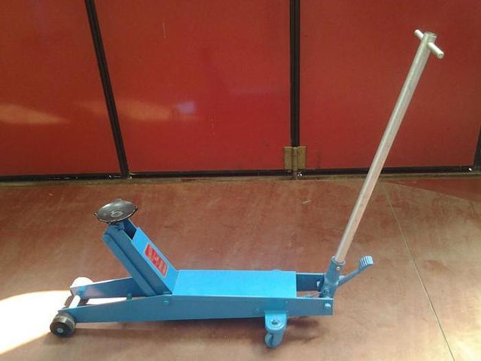 Cric Idraulico a carrello OMCN Art. 113