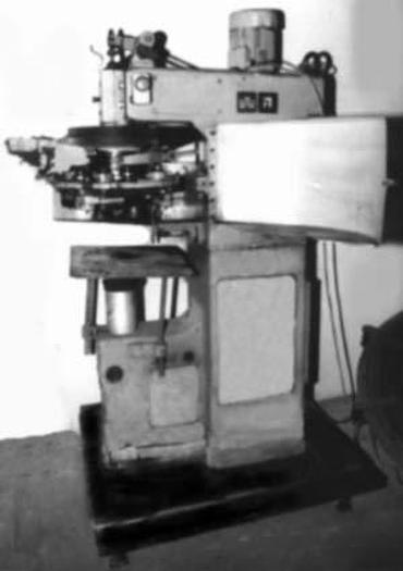 Używane Zamykarka półautomatyczna do konserw blaszanych z automatycznym podawaniem wieczek WMW