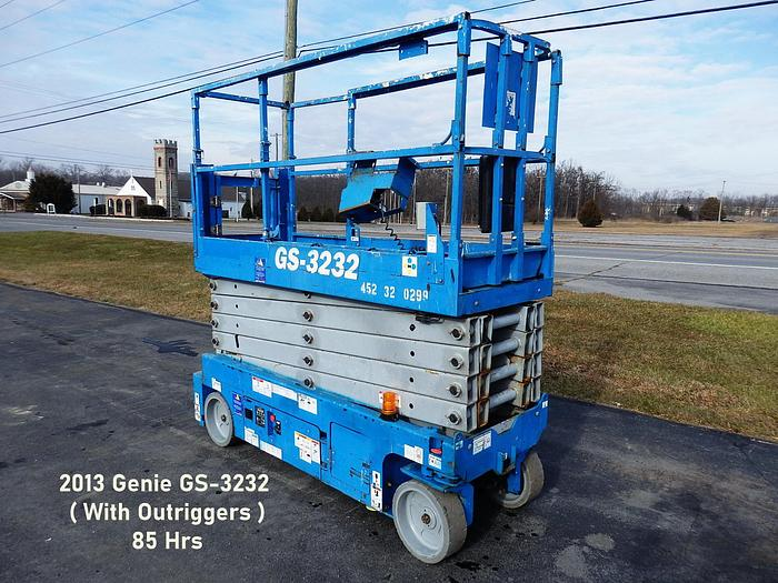 Used 2013 GENIE GS-3232 2WD DC Scissor Lift, With Outriggers
