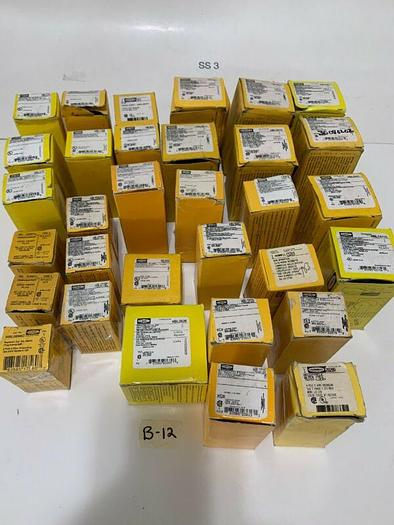 ASSORTMENT NEW HUBBELL 32 TOTAL PIECES FAST SHIPPING!