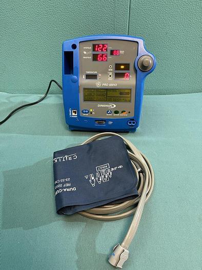 Gebraucht GE DINAMAP Pro 400V2 Patientenmonitor mit Schlauch und Blutdruckmanschette