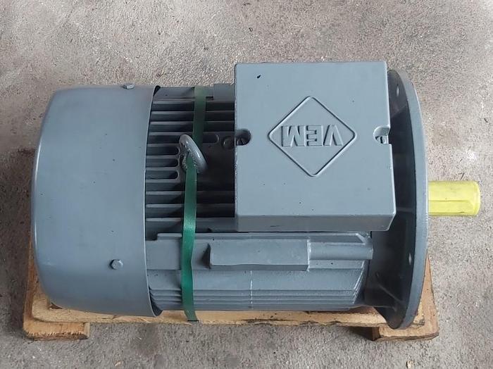 Elektromotor mit Flansch, IE2-WE1R 132SX2 TPM HW, 7,5 KW, 2925 rpm, VEM,  neu -65%