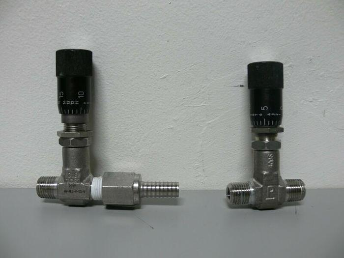"Used Lot of 2 - Parker Hannifin 4M-NLL-V-SS-V 316 SS Metering Valve with 1/4"" NPT(M)"