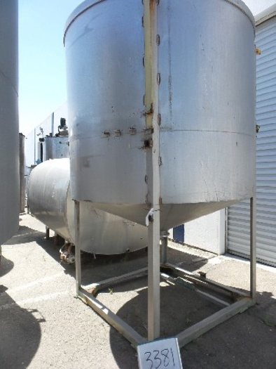 1,800 Gallon Vertical Stainless Steel Tank #3381