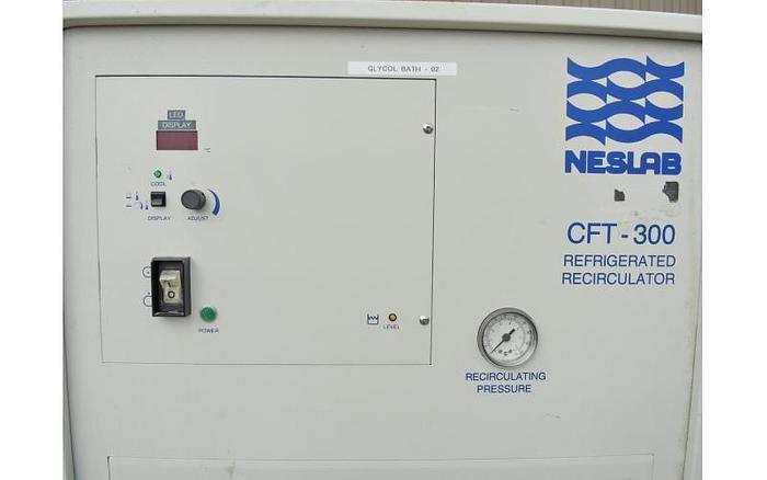 USED CHILLER, 36 315 BTU/HR, REFRIGERATED RECIRCULATING CHILLER, NESLAB CFT-300