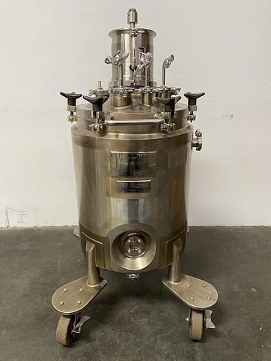 Used LEE 100 Liter Stainless Steel Jacketed Reactor w/ Agitator 100PSI