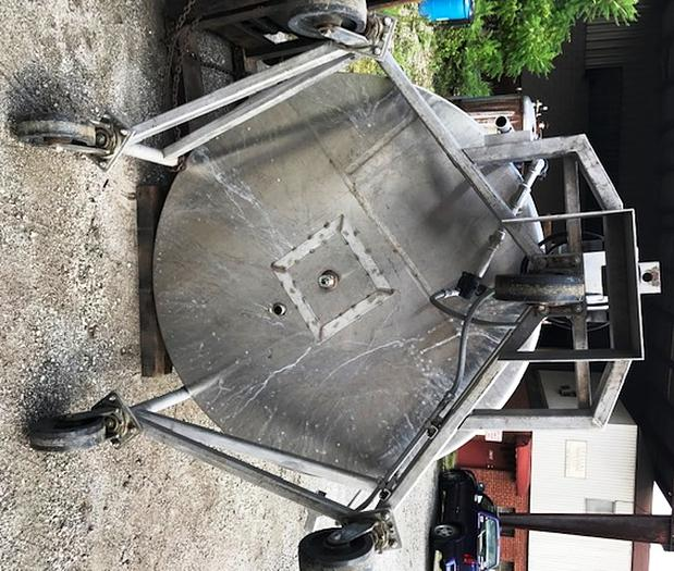 1974 Will-Flow Tank Corp. Perman San Portable Vertical Jacketed Stainless Steel Mixing Tank 1000 Gal. Capacity