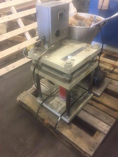 Used 9″ X 9″ UP ACTING 4-POST HYDRAULIC PRESS WITH HEATED PLATENS (#9118)