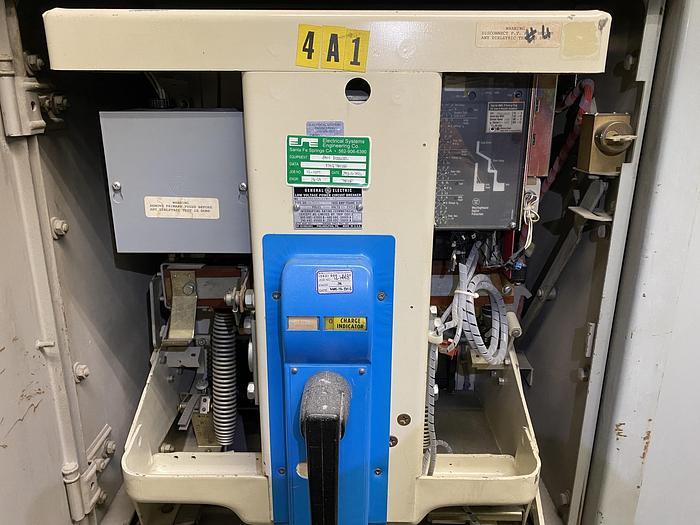 Used GENERAL ELECTRIC LOW VOLTAGE POWER CIRCUIT BREAKER